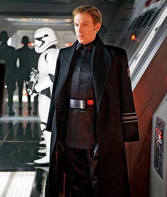 دامنل گلیسن در «جنگ ستارگان: نیرو بیدار میشود»